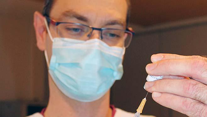 Covid-19 : la campagne de vaccination a commencé au GHND